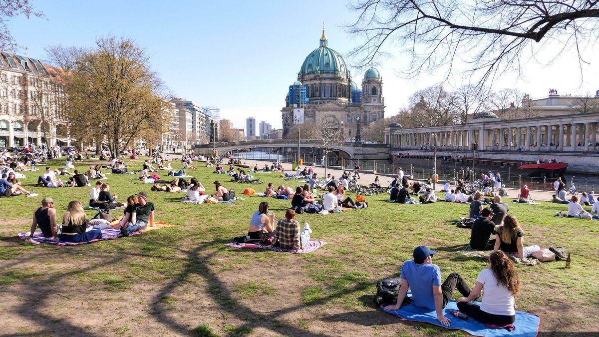 Umstritten:Berliner Park in der City macht abends zu