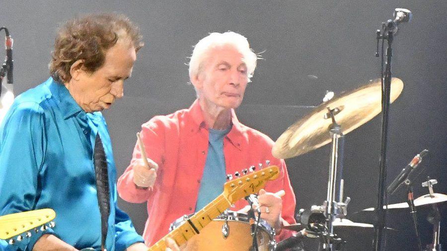 Keith Richards und Charlie Watts bei der Arbeit.