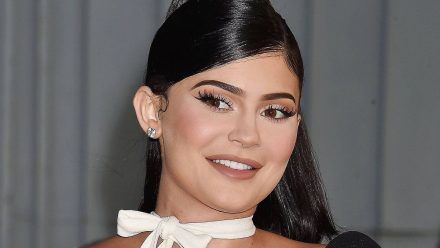 Fans vermuten, wann und wo Kylie ihre Schwangerschaft outen wird