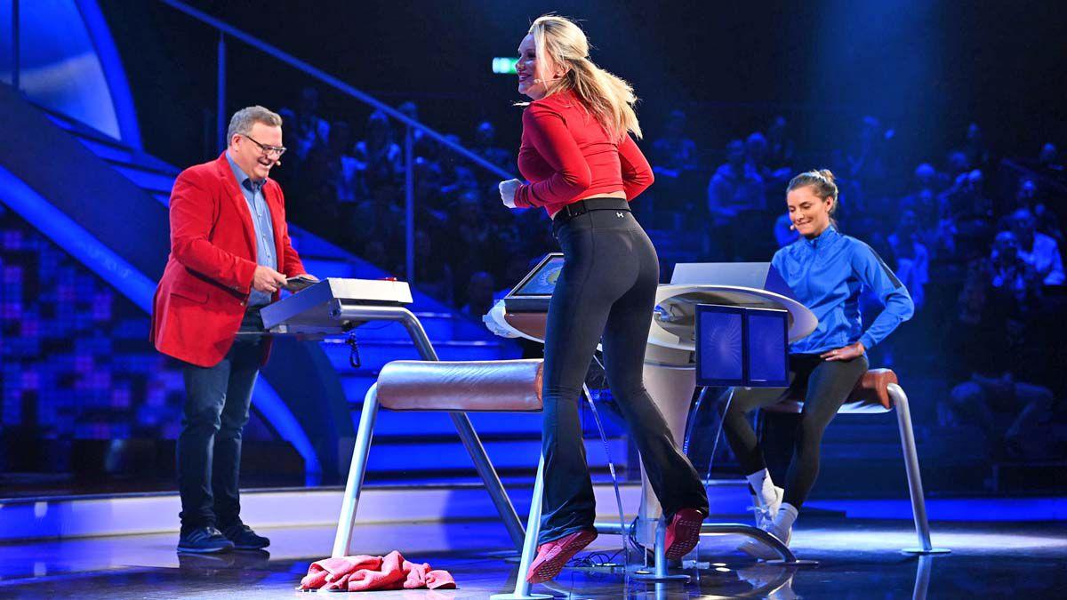 """Videos """"Schlag den Star"""": Thomalla schlägt Burdecki - Zwischenfall mit Flitzer"""