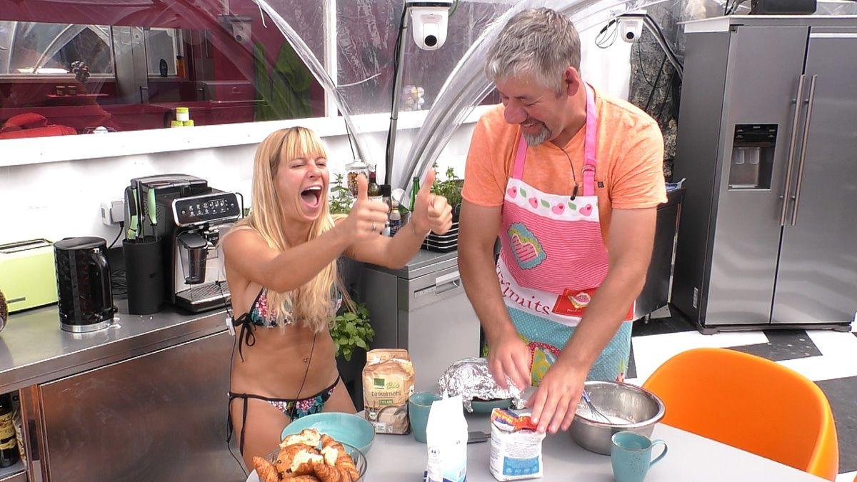 """Promi Big Brother"": Paco mit neuem Look - Bäcker Uwe legt Hand an"
