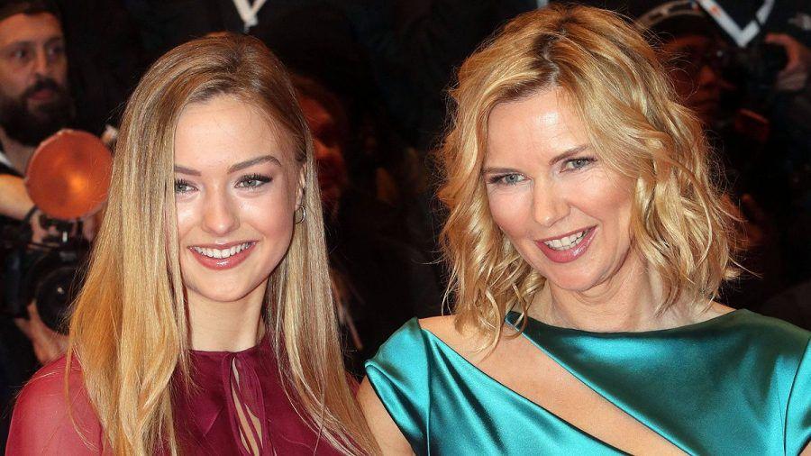Lilly Krug: Tochter von Veronica Ferres dreht mit Gerard Butler
