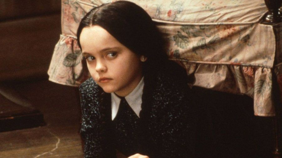"Tim Burtons Netflix-Serie""Wednesday"" wächst um zehn Darsteller"