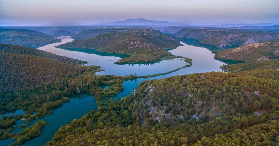 Kroatiens KrkaNationalpark ist eines der schönsten Naturwunder des Landes. Nicht umsonst kommen in den Sommermonaten zahlreiche Tagesausflügler.