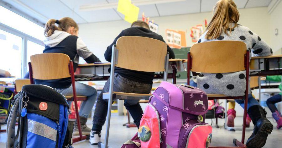 Grundschulkinder sollen einen Rechtsanspruch auf Ganztagsbetreuung bekommen. Das gilt ab dem Einschuljahrgang 2026/2027.