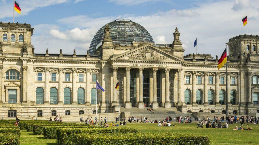 Der Berliner Reichstag ist das Zentrum der politischen Macht in Deutschland. (elm/spot)