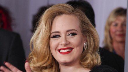 Adele ist wohl wieder offiziell vergeben. (ncz/spot)
