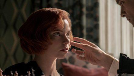 "Anya Taylor-Joy als Beth Harmon in ""Das Damengambit"". (stk/spot)"