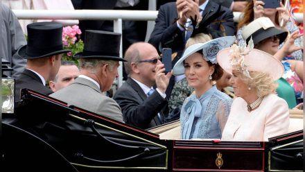 William, Charles, Kate und Camilla (v.l.) 2019 beim Pferderennen in Ascot. (jom/spot)