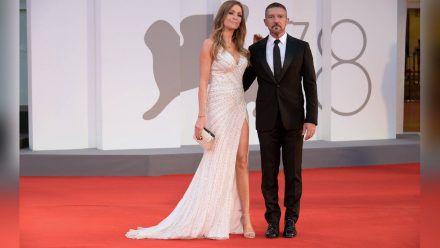 Antonio Banderas mit Nicole Kimpel in Venedig. (jom/spot)