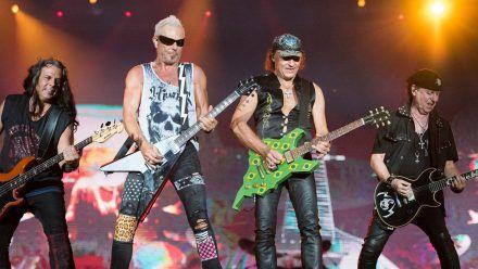 Die Scorpions bei einem Auftritt in Rio 2019. (hub/spot)