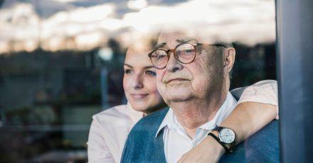Viele Menschen wollen ihre Angehörigen so lange wie möglich selbst pflegen.