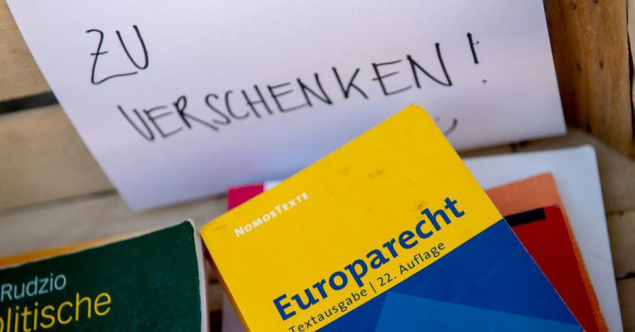 Na, wer braucht das Europarecht?Die gut gemeinte Zu-Verschenken-Kiste ist streng genommen eine illegale Entsorgung.