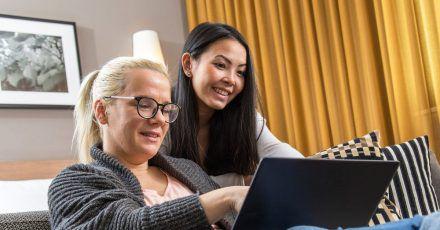Gerade unter Jüngeren sind viele schon mal über ihr soziales Umfeld an einen Job gekommen.