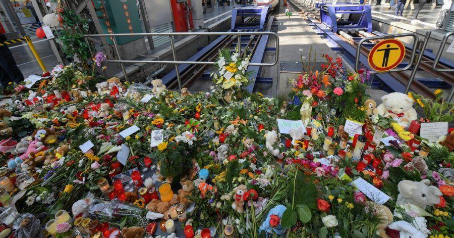 Erinnerung an den getöteten Jungen im Frankfurter Hauptbahnhof.