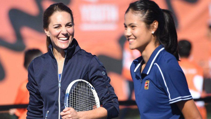 Herzogin Kate hat ein Tennis-Match mit US-Open-Gewinnerin Emma Raducanu gespielt. (ncz/spot)