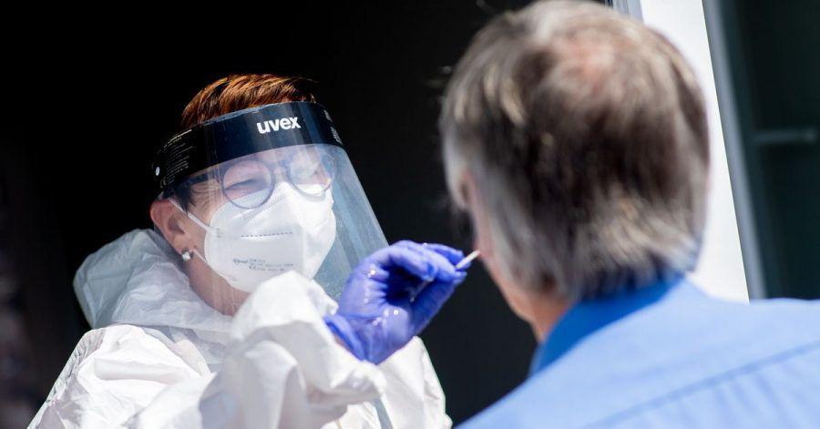 Die Gesundheitsämter melden dem RKI binnen eines Tages 10.454 Neuinfektionen.