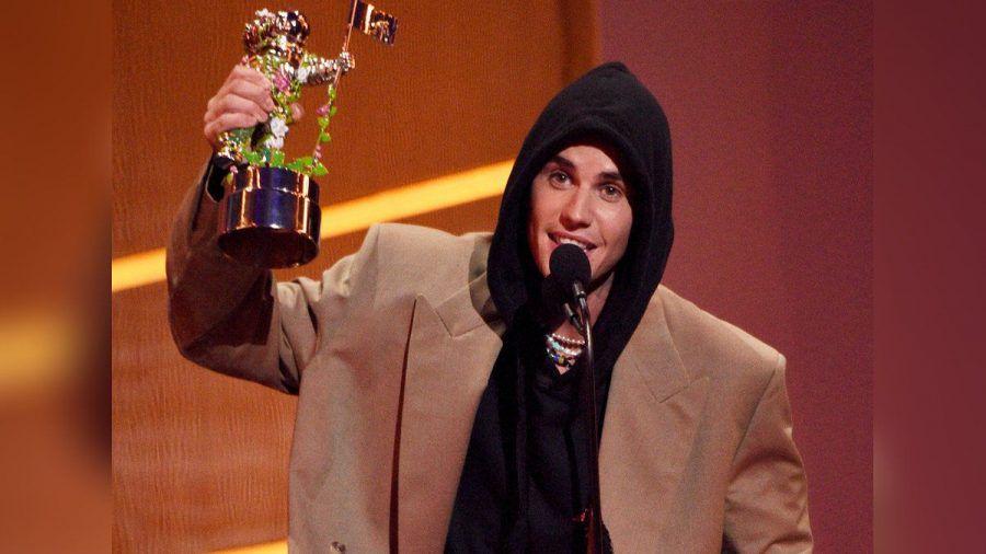 """Justin Bieber darf sich 2021 """"Künstler des Jahres"""" nennen. (jom/spot)"""