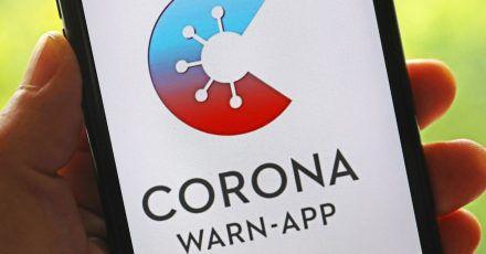 Die Corona-Warn-App informiert künftig über eine eventuell anstehende Auffrischungsimpfung.