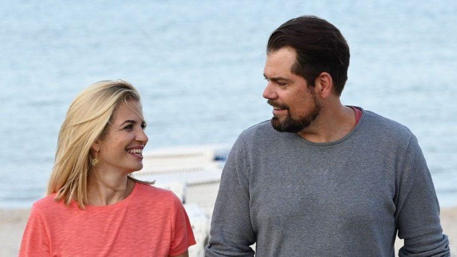"""Susan Sideropoulos und Daniel Fehlow sind gemeinsam in """"Leon - Glaub nicht alles, was du siehst"""" zu sehen. (tae/spot)"""