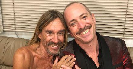 Musiker Iggy Pop (l) und Gitarrist Matt Sweeney. Das Album «I'll Be Your Mirror: A Tribute to the Velvet Underground and Nico» erscheint am 24.09.2021 über Virgin Music.