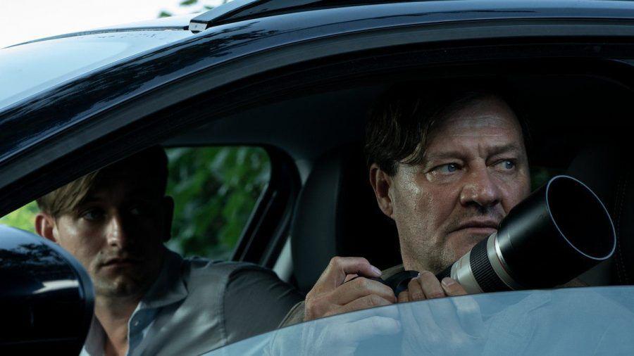 """""""Im Netz der Camorra"""" : Die Polizisten Silvio Bernatti (l.) und Adrin Erlacher beobachten eine Zielperson. (cg/spot)"""