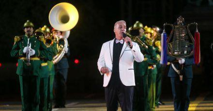 Till Lindemann begeisterte das Publikum bei einem Militär-Festival auf dem Roten Platz in Moskau.