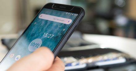 Smartphone-Hersteller Shiftphone kann für viele seiner Komponenten und verwendeten Rohstoffe belegen, woher diese kommen. Allerdings: Wirklich bis zur einzelnen Mine zurückverfolgen lässt sich der Weg oft nicht.