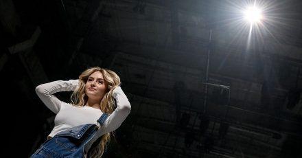 "Leni Klum als Model in ihrer Show ""Leni Klum x About You"" im Rahmen der About You Fashion Week."