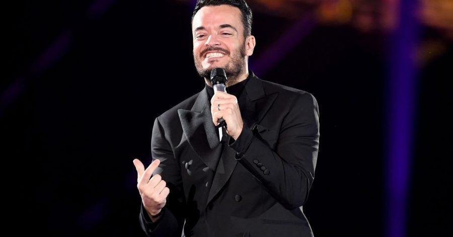 """Giovanni Zarrella steht bei der Show """"Schlagerchampions – Das große Fest der Besten"""" auf der Bühne."""