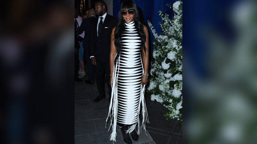 Naomi Campbell feierte in London in einem schwarz-weißen Kleid. (hub/spot)