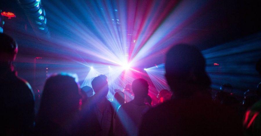 Ab diesem Wochenende wollen einige Berliner Clubs und Diskotheken das Tanzen wieder erlauben - allerdings nur für Geimpfte und Genesene.