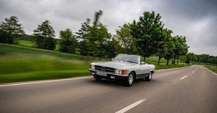 Dauerbrenner: Mercedes ließ den R 107 von 1971 bis 1989 von den Bändern rollen.