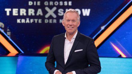 """In """"Die große Terra X-Show"""" geht Johannes B. Kerner den Naturgewalten auf den Grund. (cg/spot)"""
