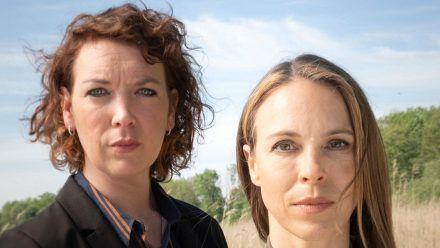 """Lina Beckmann (li.) und Anneke Kim Sarnau ermitteln für den """"Polizeiruf 110"""" bald gemeinsam. (tae/spot)"""