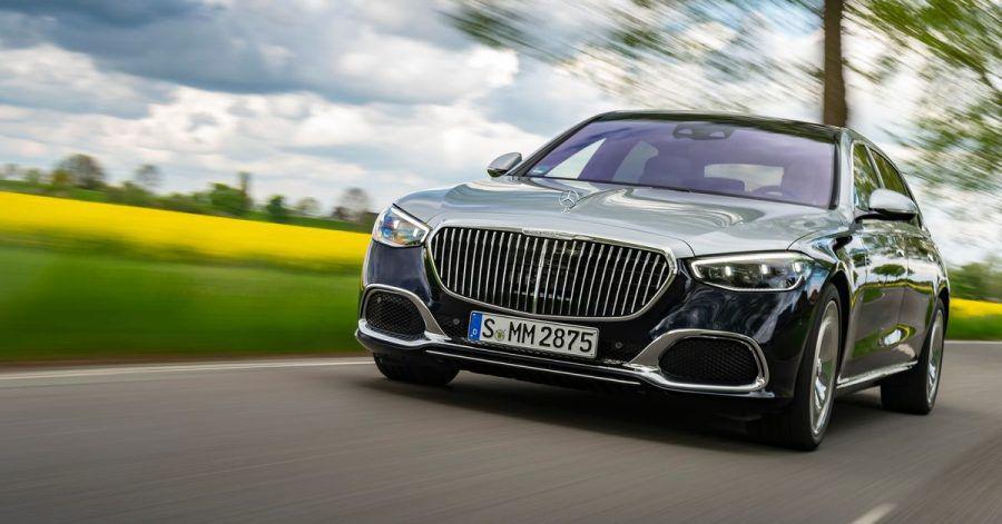 Als Maybach strahlt die S-Klasse noch mehr Prestige aus. Zudem gibt es bei der Luxus-Variante optional auch einen Zwölfzylinder.