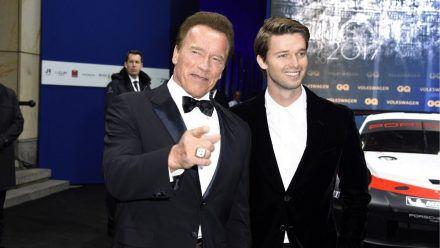 Terminator Arnie und Familie Schwarzenegger zu Patricks 28. wieder vereint