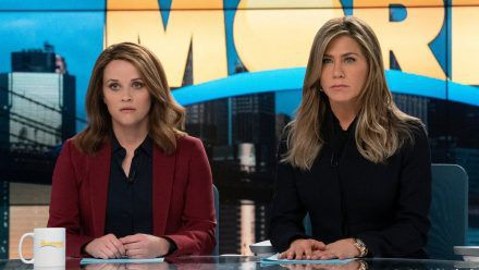 """Bradley (Reese Witherspoon) und Alex (Jennifer Aniston) in """"The Morning Show"""". (ili/spot)"""