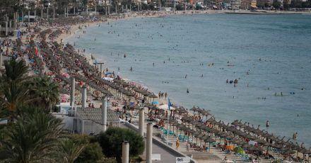 Badeziele rund um das Mittelmeer sind nach Angaben des DRV in diesem Herbst besonders gefragt.