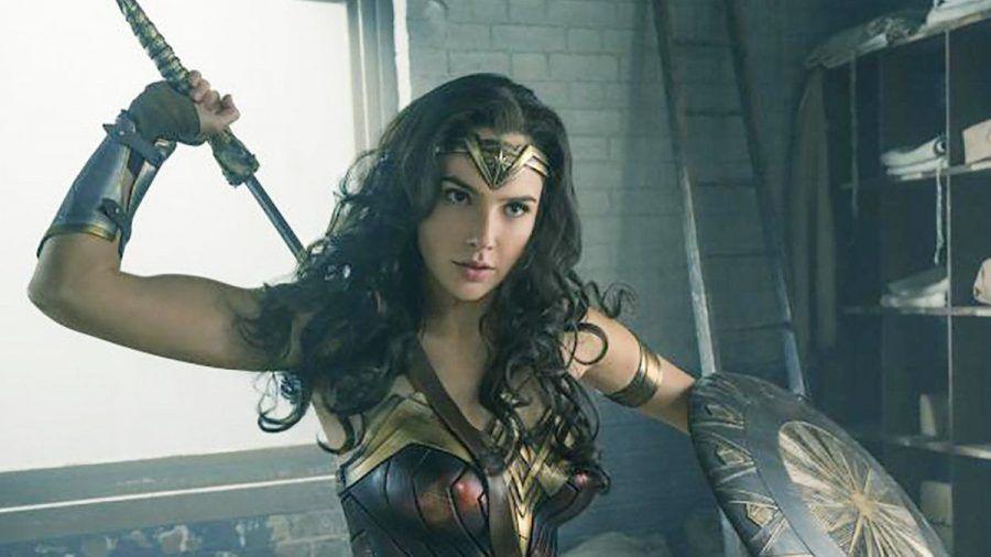 """Wonder Woman"": Diana (Gal Gadot) weiß sich zu wehren. (cg/spot)"