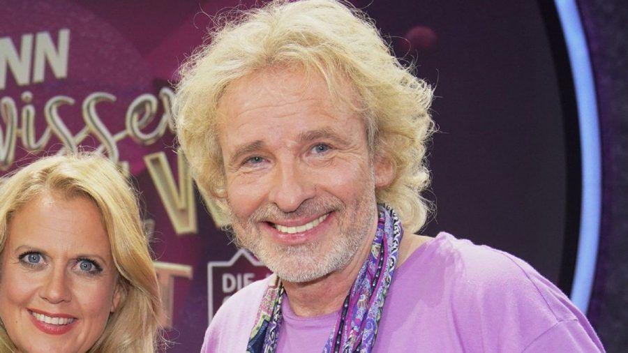 """Thomas Gottschalk klärt nach der RTL-Unterhaltungsshow """"Denn sie wissen nicht, was passiert"""" in Sachen Verlobungsring auf.  (ili/spot)"""