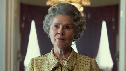 """Imelda Staunton spielt Queen Elizabeth II. in der fünften und sechsten Staffel von """"The Crown"""". (hub/spot)"""