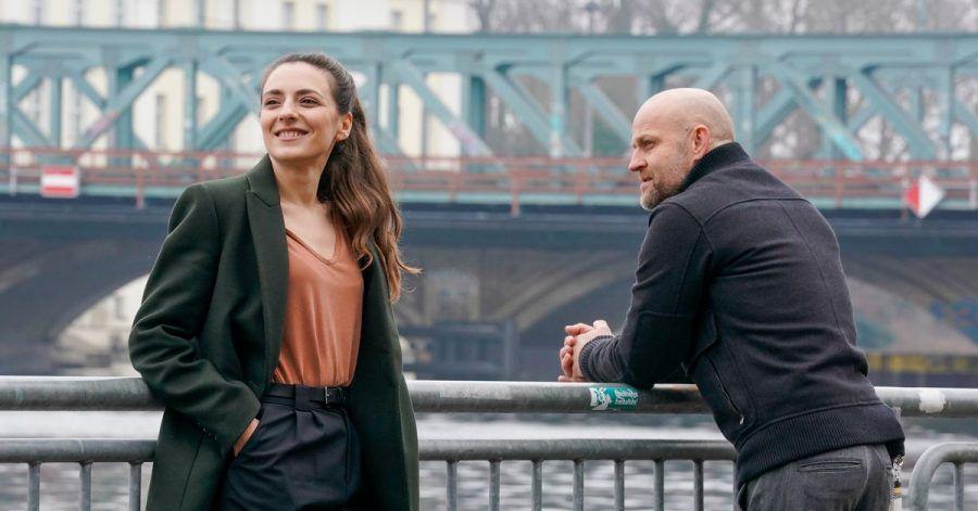 Robert Heffler (Jürgen Vogel) und Kay Freund (Seyneb Saleh) ermitteln.