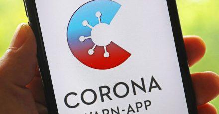 Die offizielle Corona-Warn-App des Bundes ist um eine  Warnfunktion für Events erweitert worden.