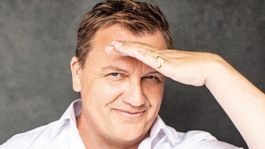 "Hape Kerkeling bringt bald sein ""persönlichstes Album"" heraus. (stk/spot)"