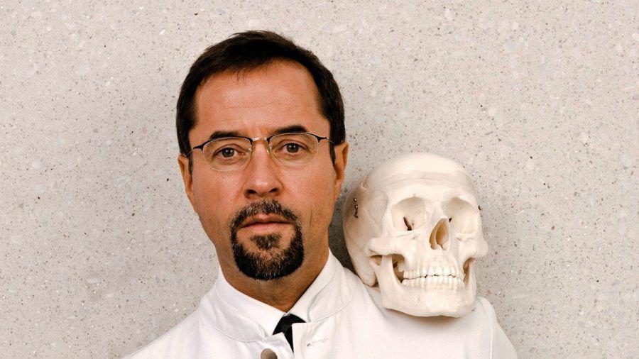 Jan Josef Liefers spielt seit 2002 Prof. Dr. Dr. Karl-Friedrich Boerne. (ili/spot)