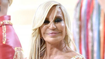 Donatella Versace: Im Entzug hatte sie Angst vor frittiertem Essen