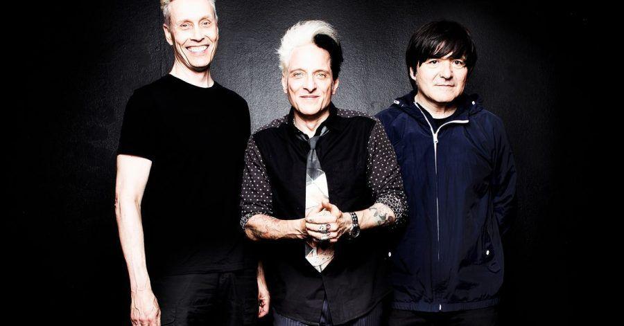 """Farin Urlaub (l-r), Bela B und Rodrigo Gonzalez von der Band """"Die Ärzte"""""""". Mit """"Dunkel"""" erscheint am 24.09.2021 ein neues Album der Band."""