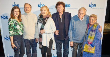 Wilfried Dziallas (zweiter von rechts) bei einer Kino-Preview im Jahr 2018.