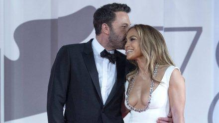 Jennifer Lopez und Ben Affleck bei den Filmfestspielen in Venedig. (ili/spot)